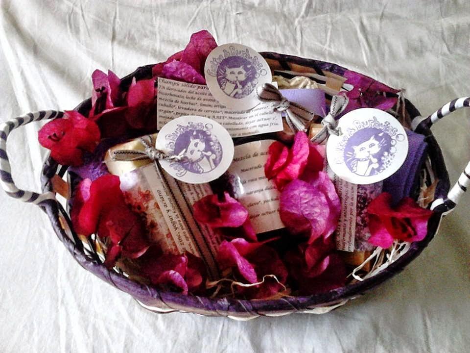 cesta pieles maduras con bouganvilla / mature skins hamper with bouganvilla