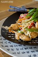 (Kurczak chow mein
