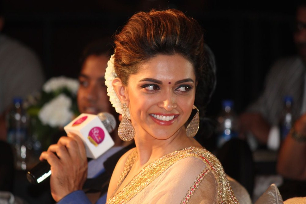 Deepika Padukone Photos In Designer White Saree