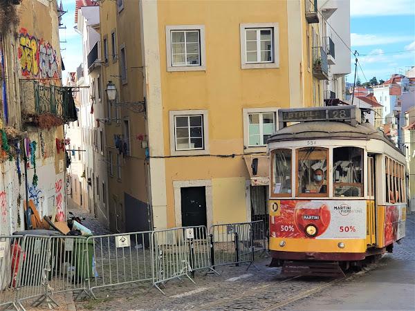 Lisbon: Exploring Alfama