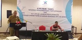 Kadis Perpusatakaan dan Arsip Daerah Provinsi Jambi Membuka Secara Resmi Bimtek Strategis Pengembangan Perpustakaan Desa.