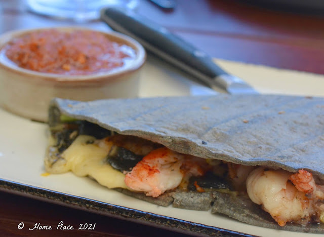 Quesadilla de Huitlacoche with shrimp and lobster