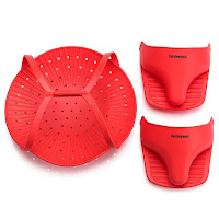 Silicone Steamer and 2 Multipurpose Oven Mitts Set