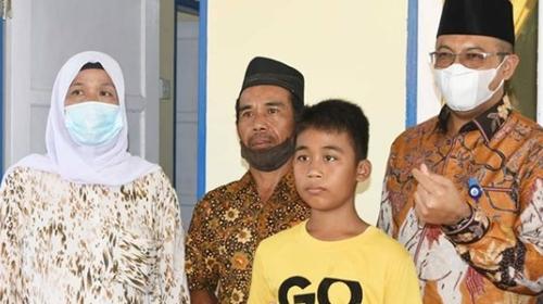 Wako Resmikan Bedah Rumah Warga Tak Layak Huni Bantuan Perumda Air Minum Kota Padang di Kampung Koto