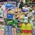 Supermercados llenos y carritos de la compra por las calles el primer día de estado de alarma en Catalunya.