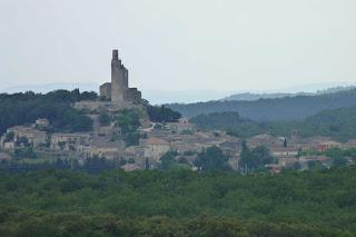 Torre Chamaret desde el Castillo de Grignan.