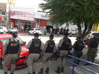 Durante operação, PM e Prefeitura de Santana do Ipanema flagram descumprimentos ao Decreto Emergencial
