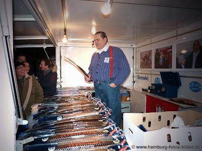 Marktschreier auf dem Hamburger Fischmarkt - Aale Dieter