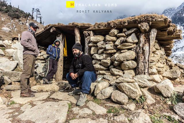 A beautiful winter trek in dhauladhar range. Rohit kalyana www.himalayanwomb.blogspot.com
