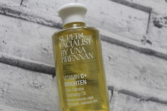 Superfacialist Vitamin C+ Brighten Skin Renew Cleansing Oil Review , Beauty, Cleansing, Review, Superfacialist by Una Brennan, Blogger, Beauty Blogger, Brightening Cleanser, Vitamin C Cleanser