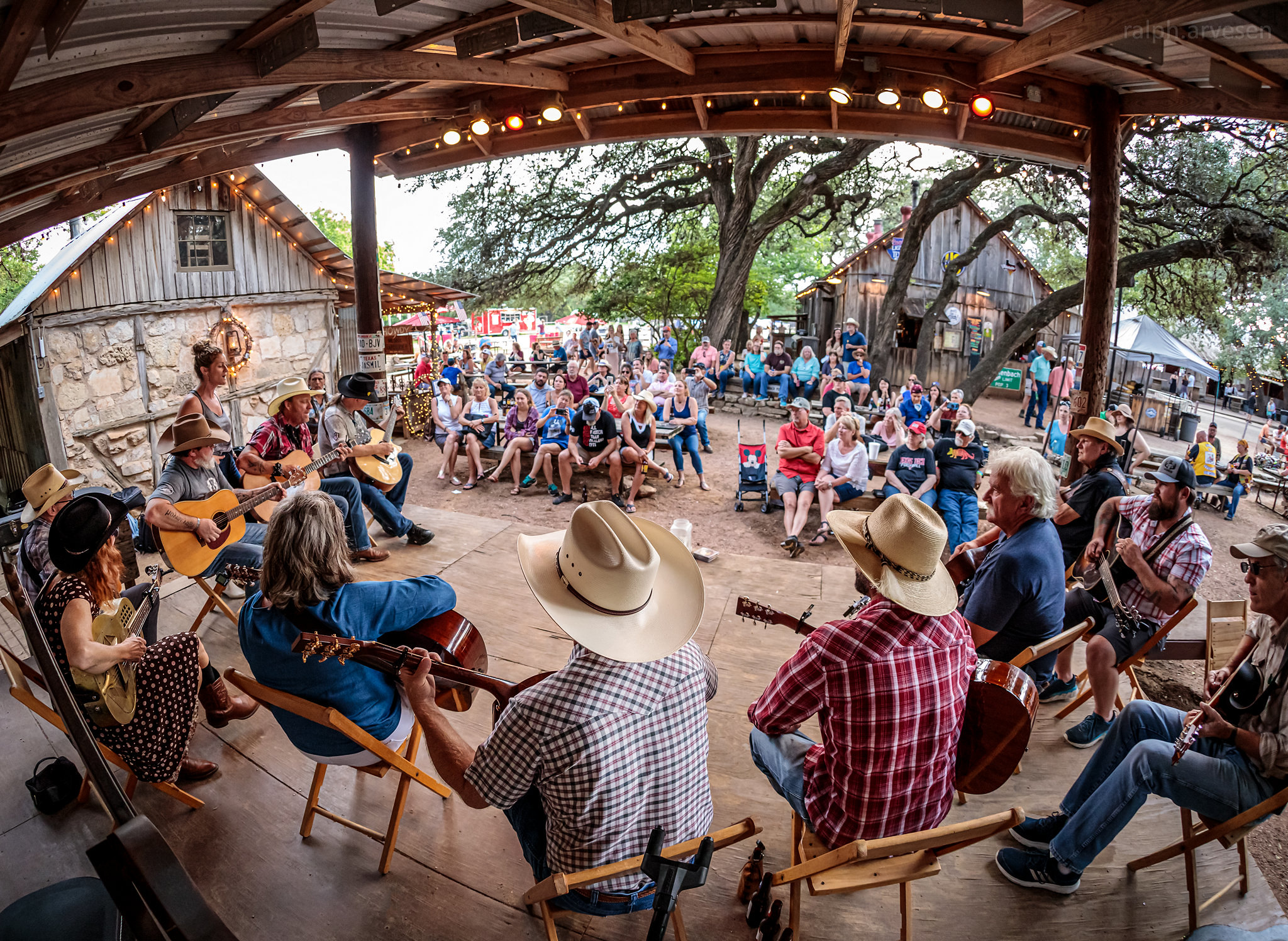 Picker Circle Unplugged Acoustic Jam | Texas Review | Ralph Arvesen