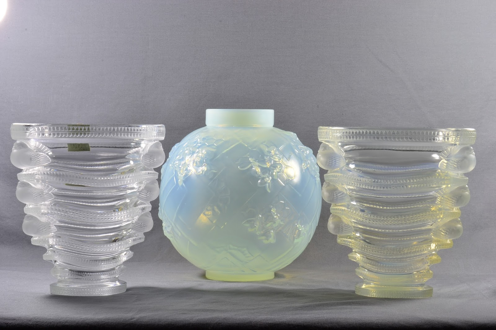 The kings fortune lalique and sabino crystal and black light visible light image of 2 lalique vases and a sabino vase reviewsmspy