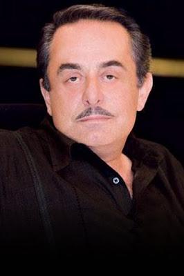 ملحم بركات (Melhem Barakat)، مغني لبناني.