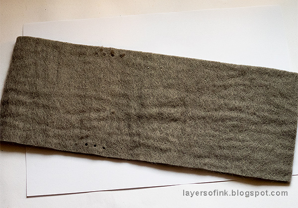 Layers of ink - Wrapped Felt Journal Tutorial by Anna-Karin Evaldsson, die-cutting wool felt.