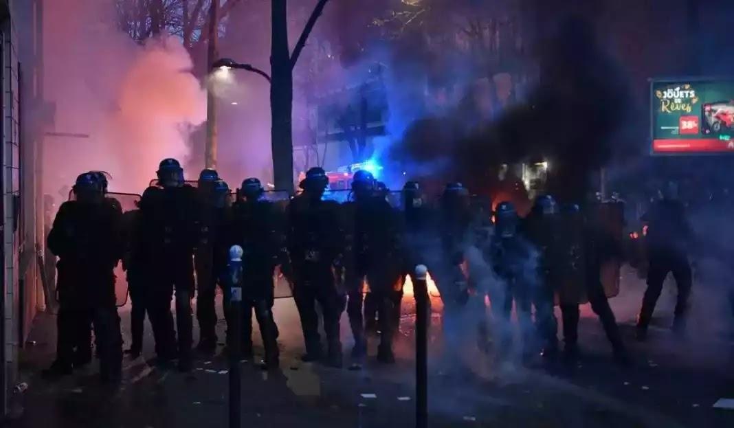 Χαμός στο Παρίσι για το νόμο περί ασφάλειας με φωτιές σε αυτοκίνητα και σπασμένες βιτρίνες (video)