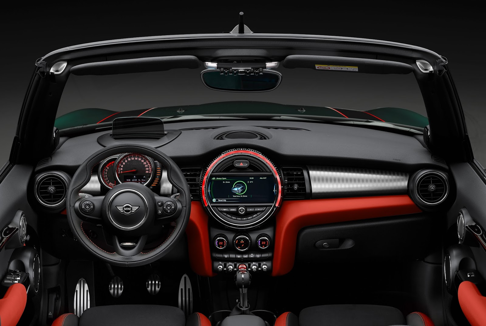 P90207707 highRes Έρχεται το νέο MINI John Cooper Works Cabrio με 231 ίππους