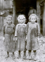 Child Oyster Shuckers (1912), photograph by Lewis Hine.