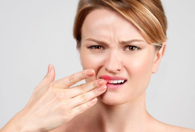 कीड़े लगे दांतों के दर्द को गायब कर देगी यह चीज़, जानें पूरी खबर