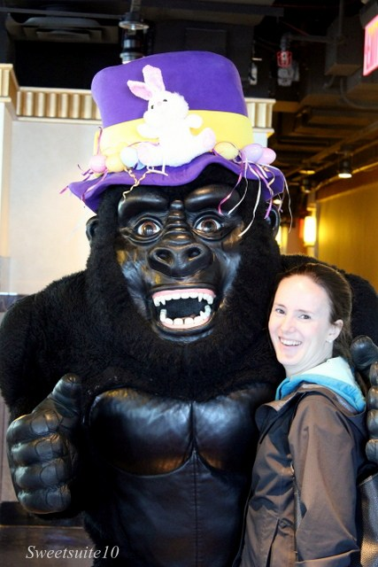King Kong in an Eater bonnet