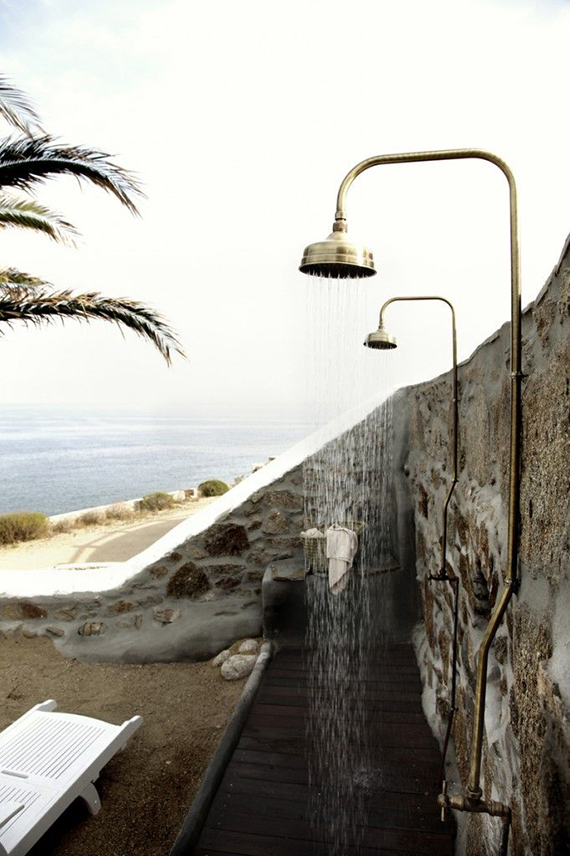 Outdoor shower | Image of San Giorgio Hotel in Mykonos via Flodeau