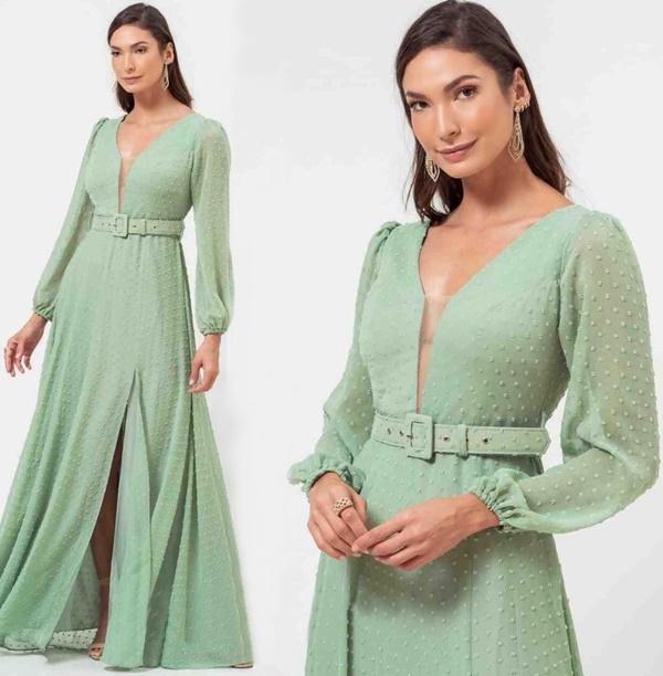 Vestido longo verde menta em tule de poas com mangas longas