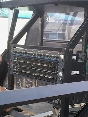 Rak Sound System Rangka Besi