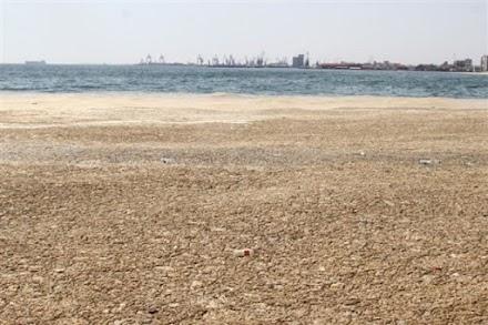 Στον Θερμαϊκό μπαίνουν πλωτά φράγματα κατά της θαλάσσιας ρύπανσης