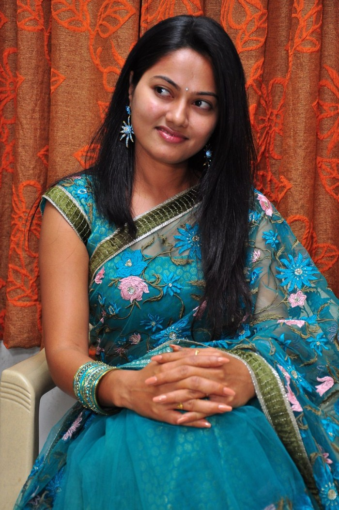 Tamil Actress Saree Nude