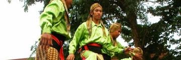Enggrang Karawang Sebuah Kesenian yang lambat laun menjadi permainan tradisional