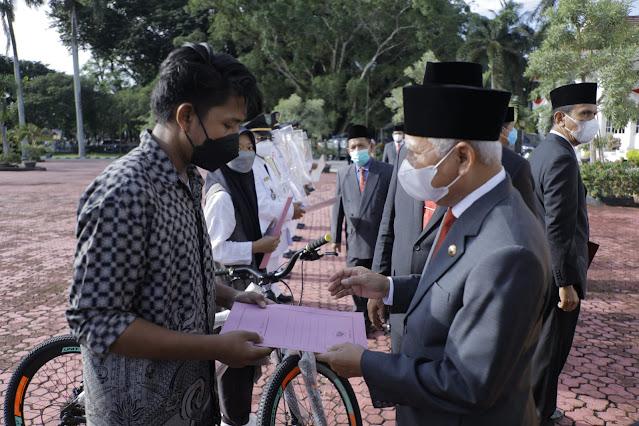 PNS Yang Telah Mengabdi Selama 10, 20, dan 30 Tahun Mendapat Penghargaan Satyalancana Karya Satya