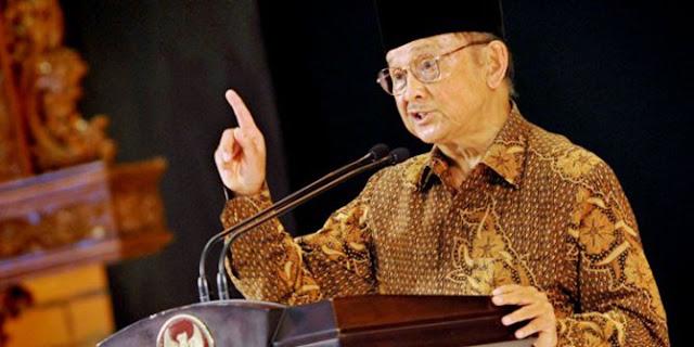 8 Kebijakan BJ Habibie yang Mampu Mendongkrak Perekonomi Indonesia