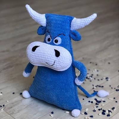 Подушка-игрушка бык