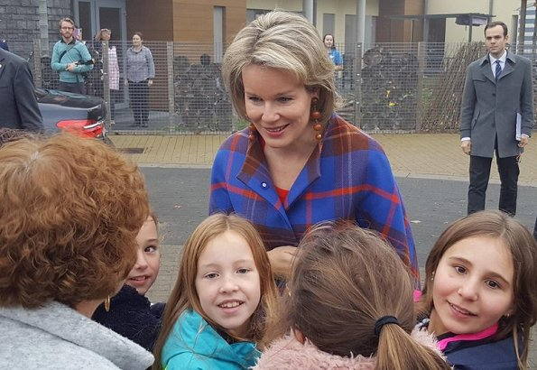 Queen Mathilde visited 't Vlindertje Kindergarten (kinderdagverblijf 't Vlindertje) in Boutersem in the Reading Week