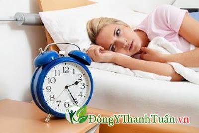 Mất ngủ là nguyên nhân gây nên bệnh nóng gan