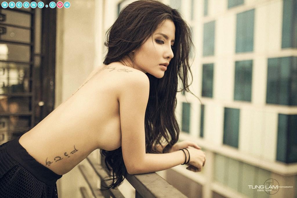 Người mẫu Việt táo bạo thả rông ngực trong bộ ảnh đầy mê đắm (25 ảnh)