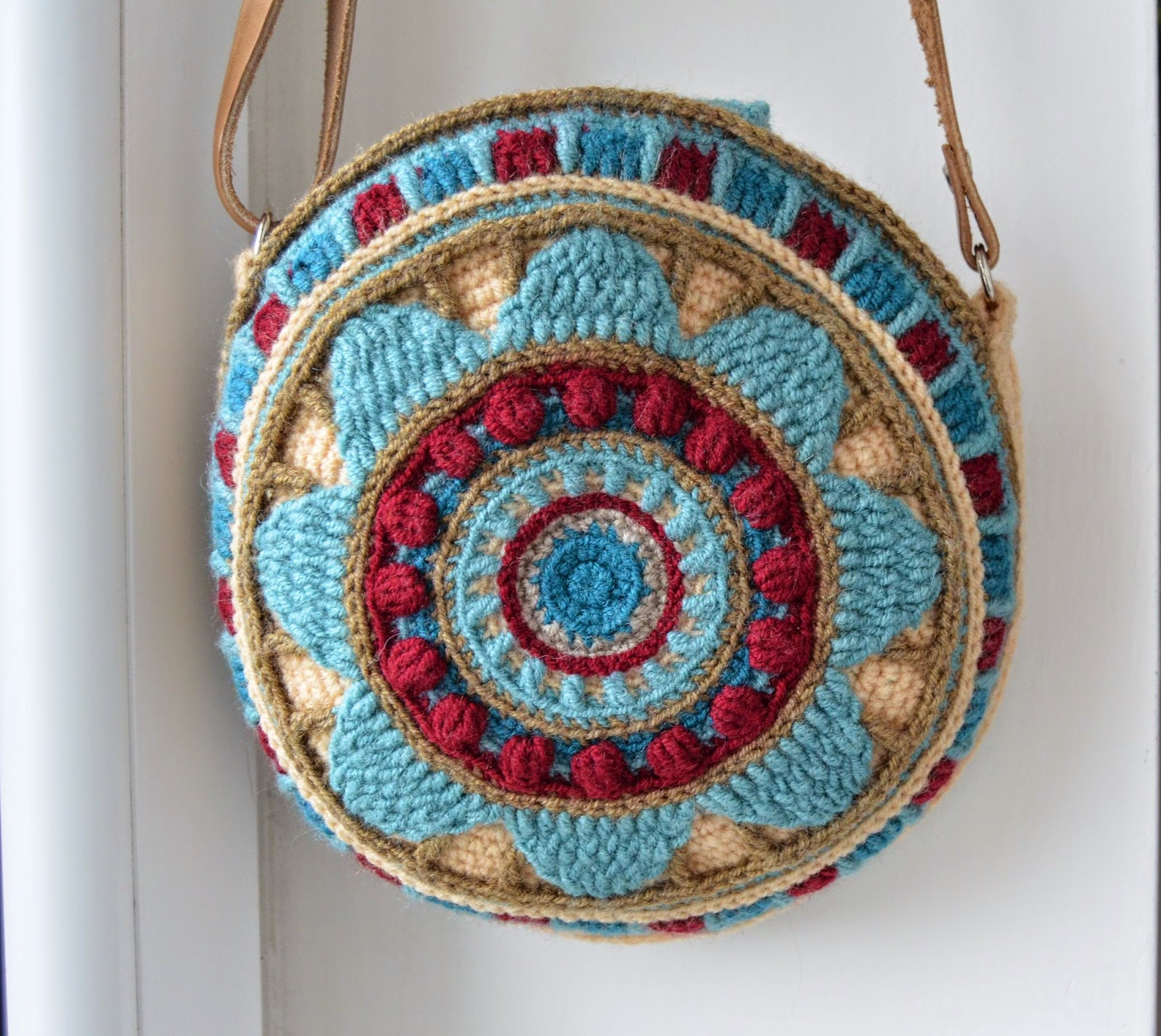 round crocheted bag