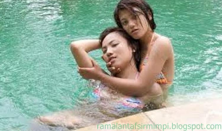 Jadi sebagai manusia normal tentunya mandi itu dilakukan setiap hari minimal kurang lebih 11 Arti Mimpi Mandi di Kolam Menurut Primbon Jawa