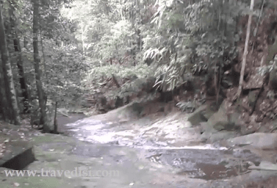 Berbagi informasi wisata alam kalbar,air terjun dan riam di kalimantan barat,wisata alam indonesia yang tersembunyi,pesona hutan alam borneo