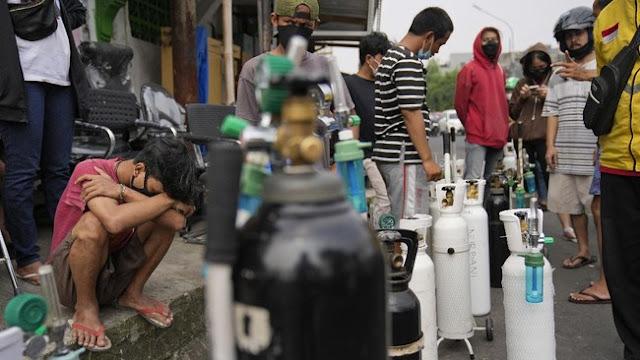 Viral Pemuda Antre Oksigen: Nak Tidak Usah Antre Lagi, Bapak Sudah Gak Ada