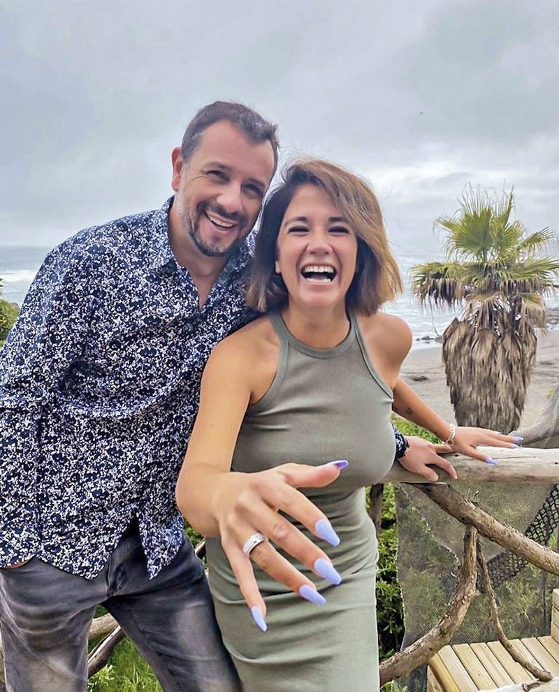A Carolina Soto le pidieron matrimonio con juego en la playa