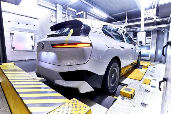BMW tem 10.000 carros não finalizados por falta de semicondutores