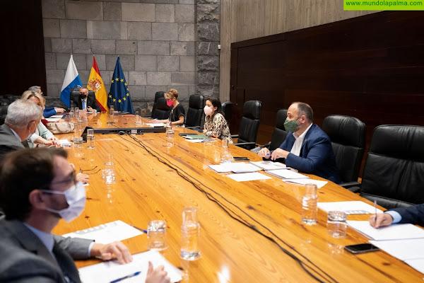El Gobierno aprueba la ayuda extra a los trabajadores en ERTE, que beneficiará a 51.000 familias de Canarias