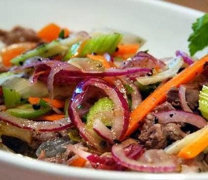 reteta salata italiana cu ansoa ceapa si telina
