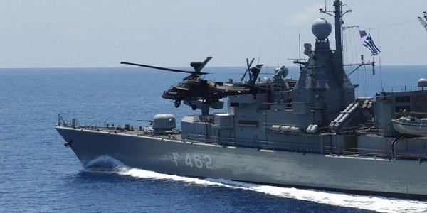 Κρίσιμες ώρες: Φορτώνονται με πυραύλους και πλέουν προς το νοτιοανατολικό Αιγαίο πλοία του ΠΝ – Σε πολεμική ετοιμότητα και Μοίρες μαχητικών