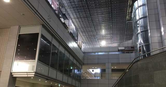 緊急事態宣言時のショッピングセンター