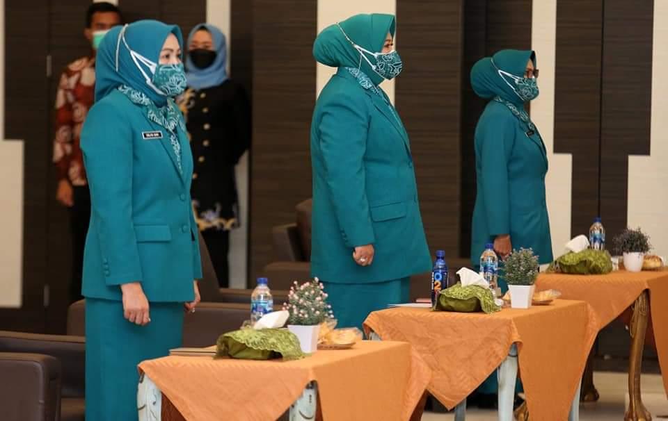 Pengurus TP PKK Kota Batam dan Kecamatan Periode 2021-2024 Resmi Dilantik