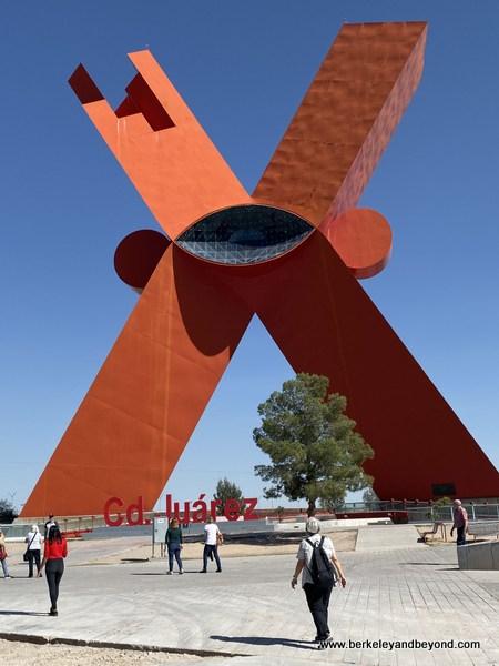 Big Red X/Monumento a la Mexicaneidad in Juarez, Mexico