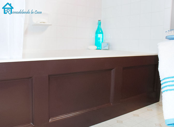How to cover a plain tub with a wooden cover