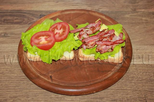 рецепт сэндвича с беконом, листовым салатом и помидором - BLT с пошаговыми фото
