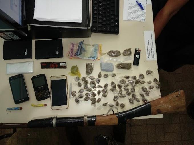 Quatro suspeitos de tráfico de drogas são presos pela Polícia Militar em Piritiba